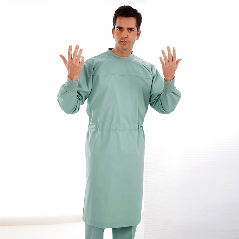 SURGEONS GOWN WITH STRIPS